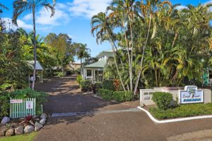 Welcome to Coral Beach Noosa Resort